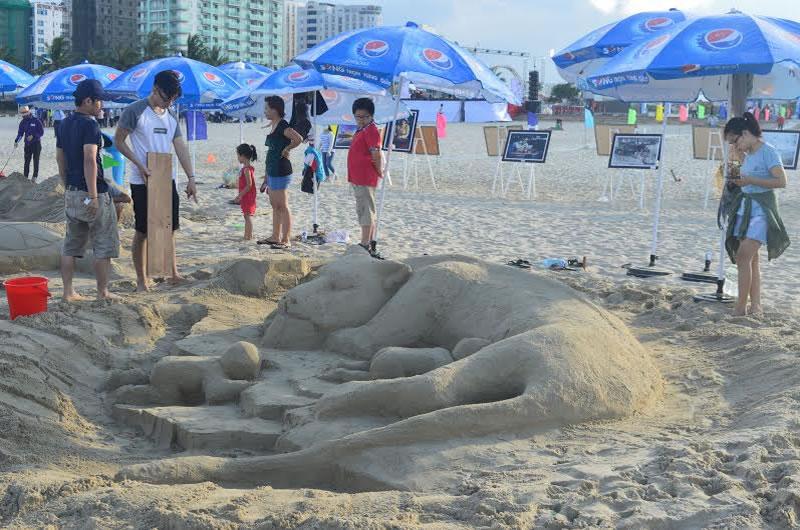 Điêu khắc đắp tượng cát tại TP Vinh Cửa Lò Nghệ An Hà Tĩnh