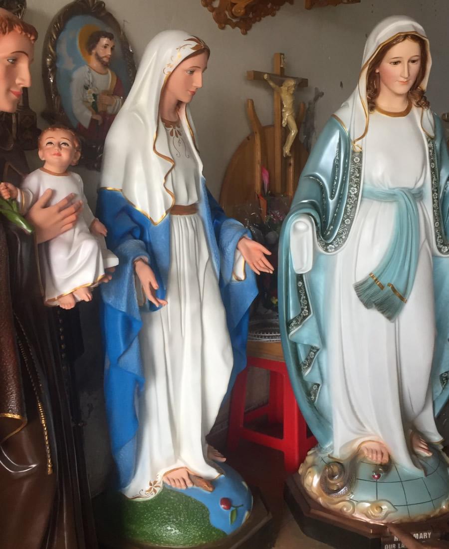 Đắp đúc tượng Thiên Chúa Giáo Đức Mẹ Maria